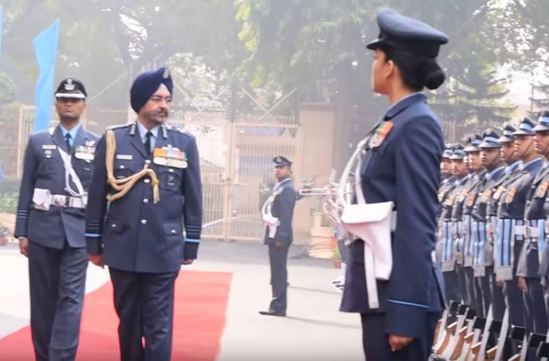 Индийский маршал описал ситуацию, когда армия Пакистана стала бы целью для ВВС Индии