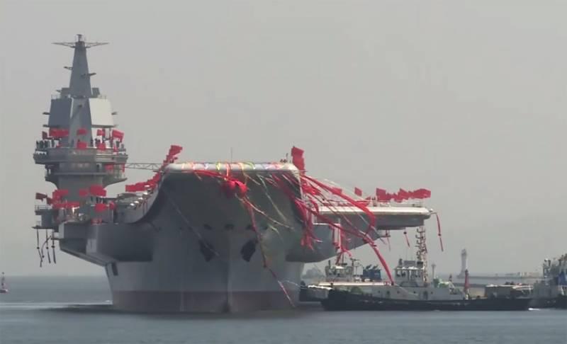 Состоялась церемония ввода в эксплуатацию первого построенного в Китае авианосца