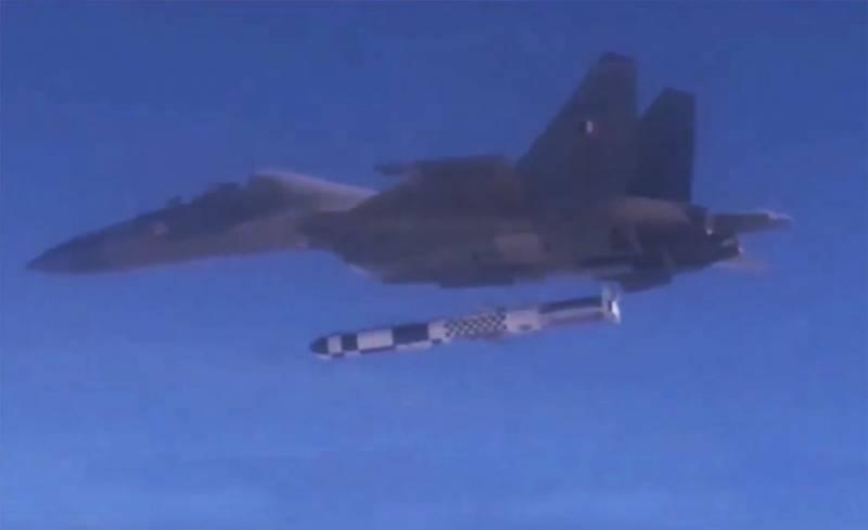В Индии показали сброс 2,5-тонной ракеты «БраМос» с Су-30МКИ с «конструктивными доработками»