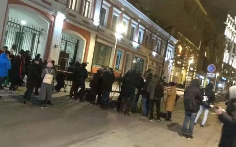 """Проверяются данные о работе предполагаемого """"лубянского стрелка"""" в посольстве ОАЭ"""
