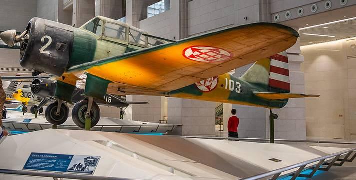 बीजिंग में चीनी क्रांति के सैन्य संग्रहालय का विमान प्रदर्शनी
