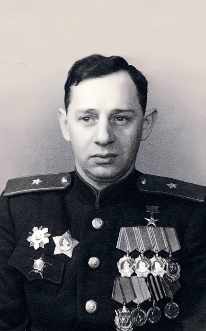 """इसहाक साल्ज़मैन। सोवियत संघ के """"टैंक राजा"""" का अस्पष्ट भाग्य"""