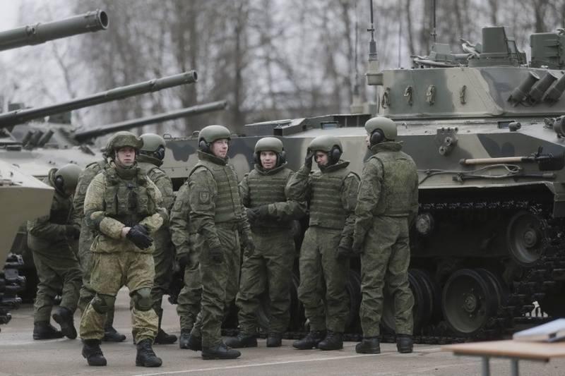 普斯科夫伞兵获得了第七营的军事装备