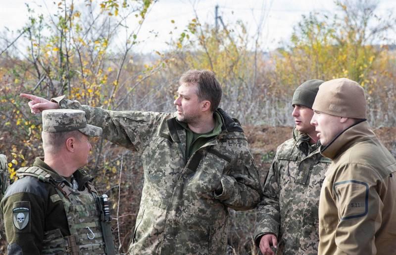 यूक्रेन के रक्षा मंत्री ने डोनबास में सेना के पूर्ण अलगाव का विरोध किया