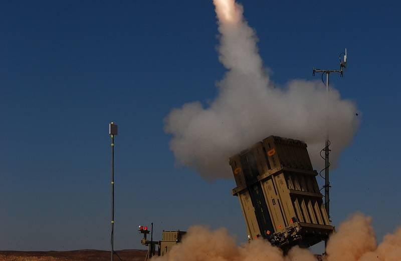 Israel verbessert das Iron Dome Air Defense / Missile Defense System