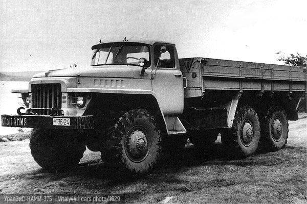 Ural-375: the ideal of a war chariot
