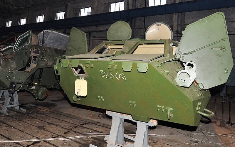 In Ukraine, a new scandal broke out with defective cases for the BTR-4E