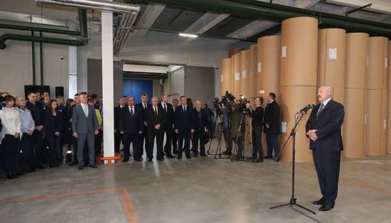 卢卡申科:俄国人是我们的人民,但是现在很少依赖他们了