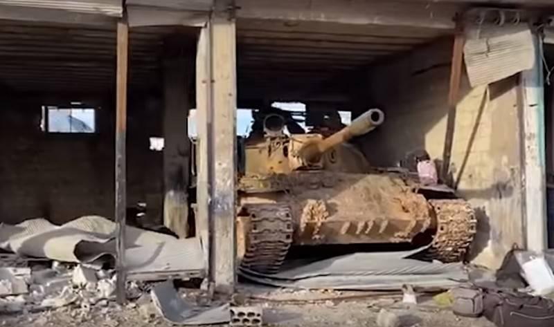 Mídia: Exército sírio recuperou o controle da cidade de Maaret en Numan, no sul de Idlib