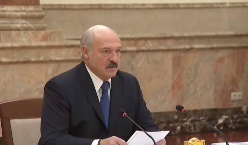 लुकाशेंको ने कजाकिस्तान से तेल की आपूर्ति पर बातचीत शुरू करने का निर्देश दिया