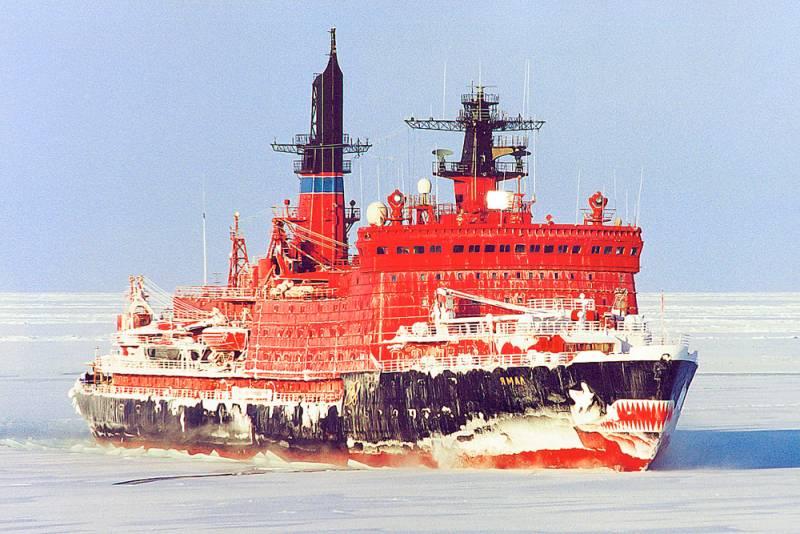 Ледокол «Капитан Зарубин» проекта 1105 | www.korabli.eu | 534x800