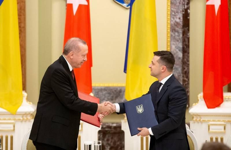 Турция выделит средства на военную помощь Украине