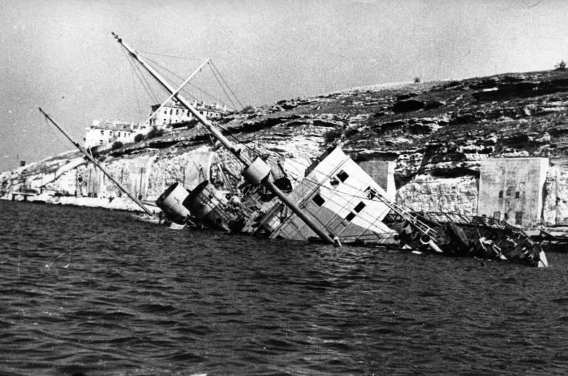 """जहाज """"आर्मेनिया"""" की मौत। काला सागर युद्ध अपराध"""