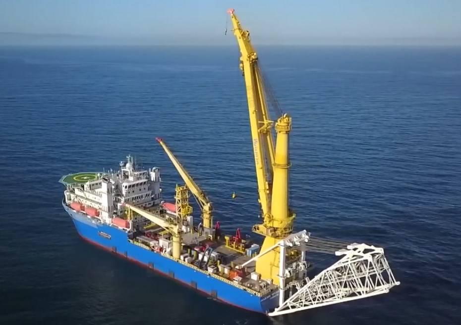 Судно, которое может достроить «Северный поток-2», покинуло порт Находки