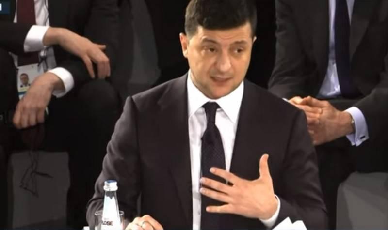 젤 렌스키 회장은 XNUMX 년 동안 대통령직에서 돈 바스 분쟁을 종식하겠다고 약속했다