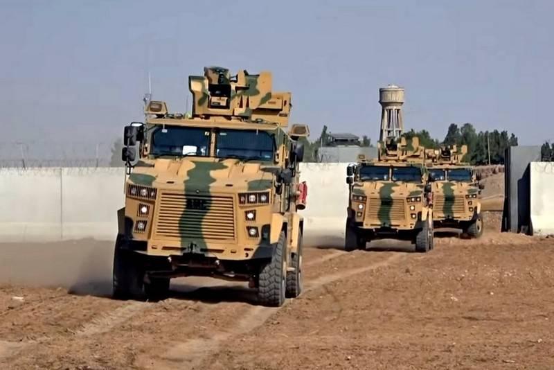 A Turquia continua a transferir tropas e veículos blindados para Idlib