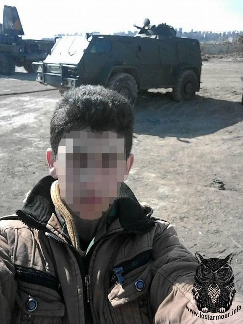 "Rare armored car ""Vodnik"" unloaded in Syria"