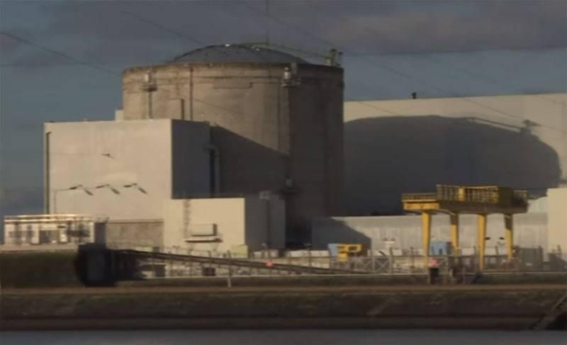 フランスのフェッセンハイム原子力発電所のスタッフがボイコット工場閉鎖を脅かす