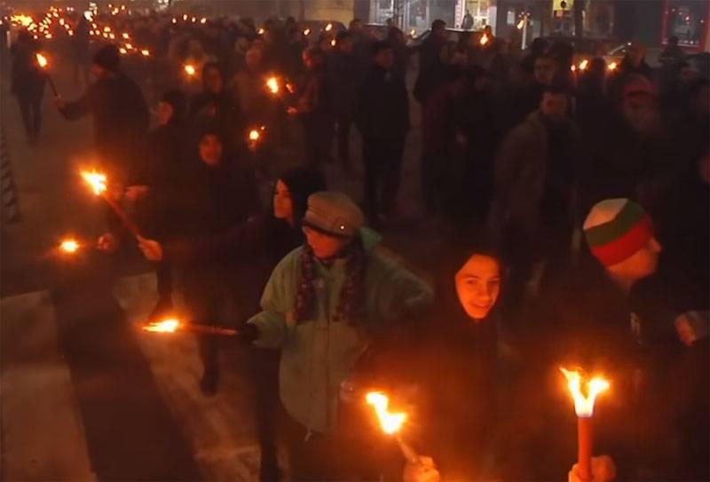 불가리아 경찰은 신 민족 주의자들이 횃불 행렬을 수행하는 것을 허용하지 않았다
