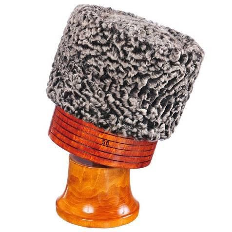 Chapéu de batalha caucasiano. Item inspirado