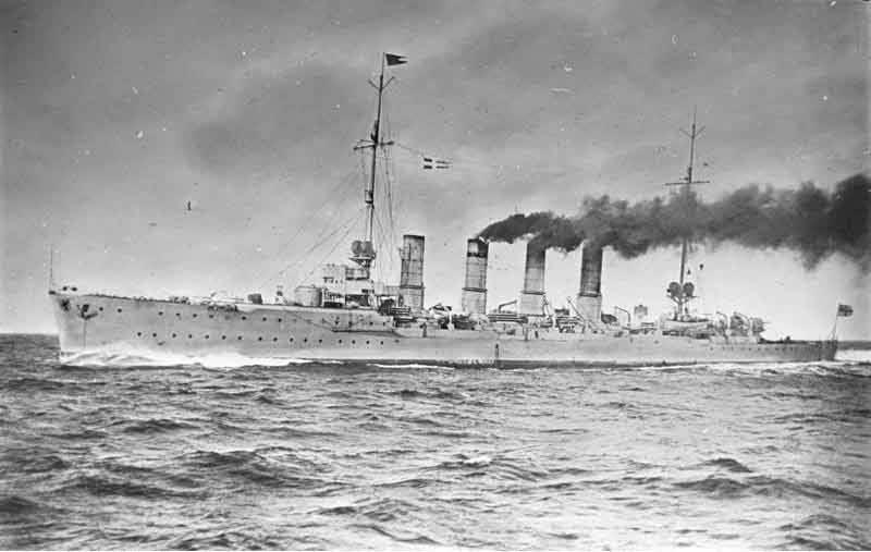 Warships. Cruisers. British. First. Intricate. Damn lumpy