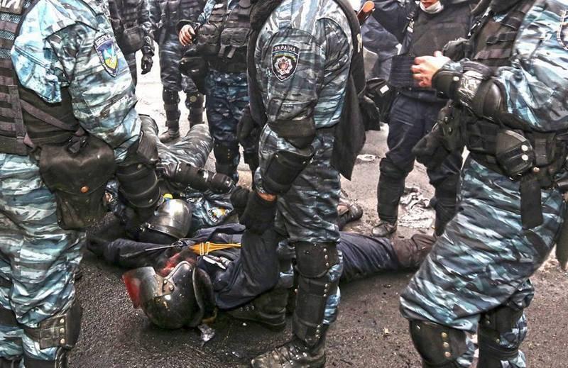 """우크라이나 언론인들이 Maidan에서 """"Golden Eagle""""촬영에 대한 자세한 내용을 공개"""
