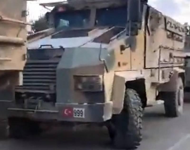 Боевая авиация разворочала колонну турецких бронемашин в Сирии