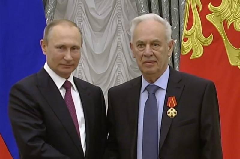 The chief designer of the Su-34 Rolland Martirosov died