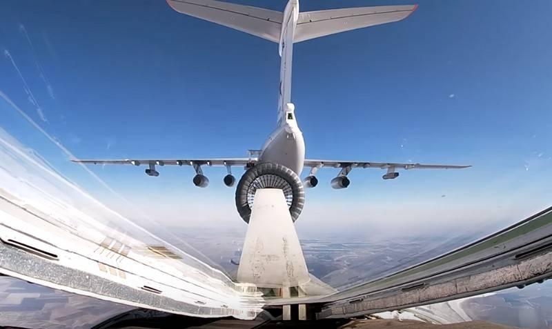 """A rede possui um vídeo de reabastecimento de """"cisnes brancos"""" a uma velocidade de 600 km / h"""