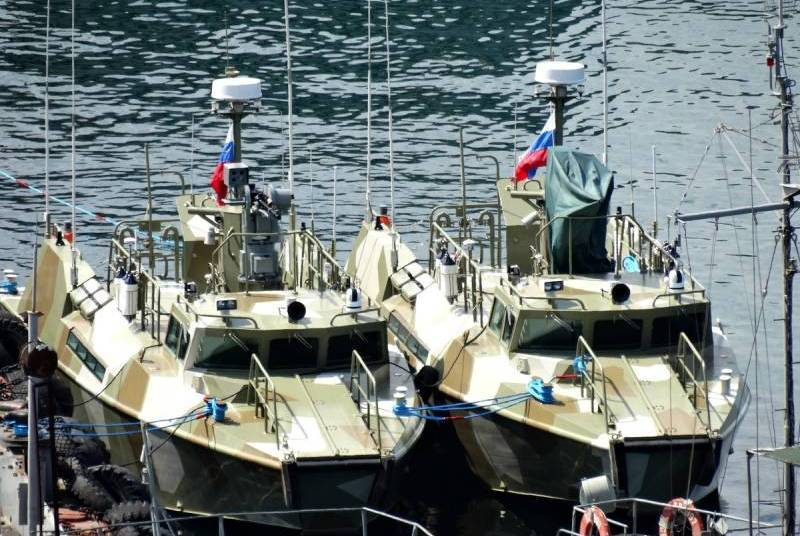 The first female crew of the Raptor patrol boat formed at the Black Sea Fleet
