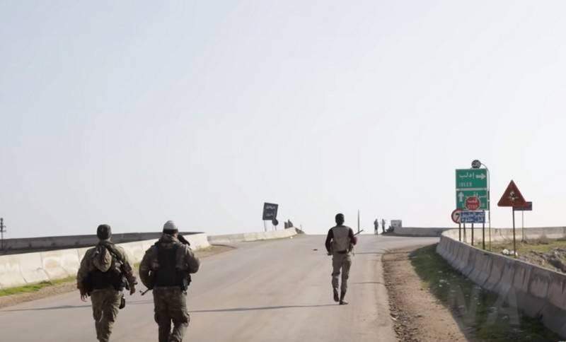 """시리아 군대는 Idlib에서 """"Jebhat al-Nusra""""의 위치에 대한 공격을 시작했습니다"""
