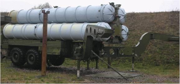 Die Basis des Bodensegments der Luftverteidigung der Russischen Föderation in den 1990er Jahren. SAM S-300PT, S-300PS und S-300PM