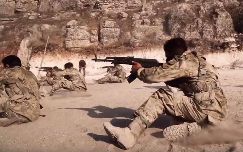 시리아 탈북자는 미국 기지에서 파괴자들의 준비에 대해 말했다