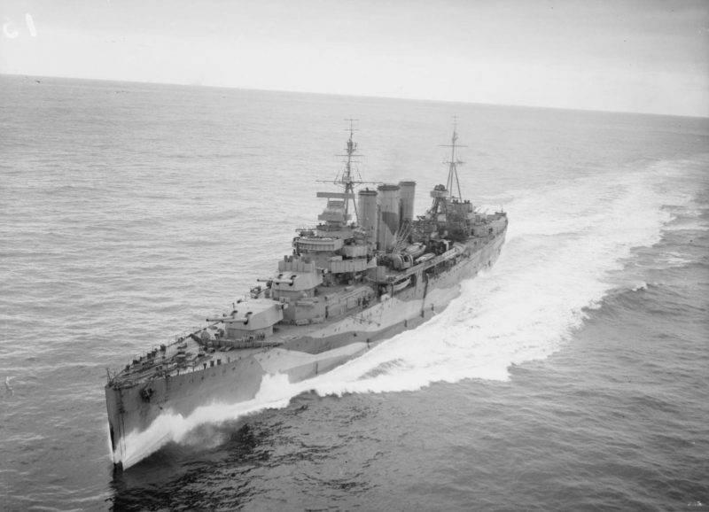 军舰。 巡洋舰。 大英帝国风格的投掷