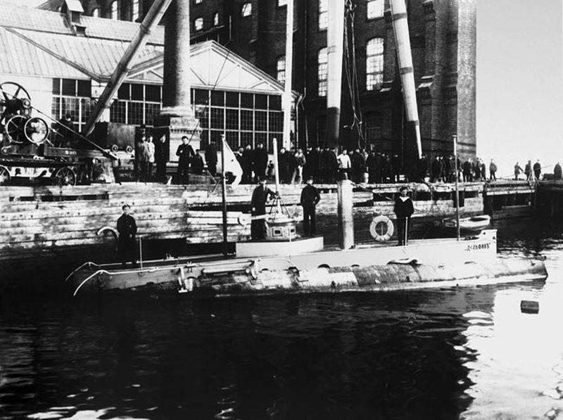 19月XNUMX日、ロシアが潜水艦の日をマーク