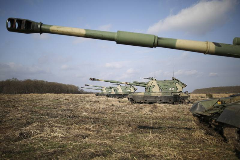 The party of advanced self-propelled guns Msta-S entered the 49th Army of the Southern Military District
