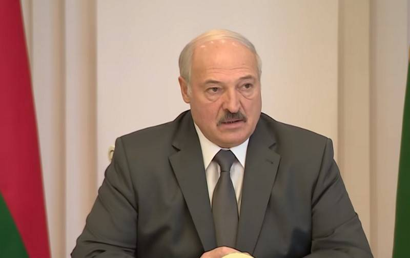 "Lukashenko will not send charters for Belarusians ""traveling abroad"""