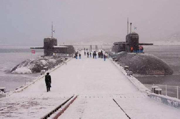 핵 트라이어드의 진화 : 러시아의 전략적 핵 세력의 해양 구성 요소 개발 전망