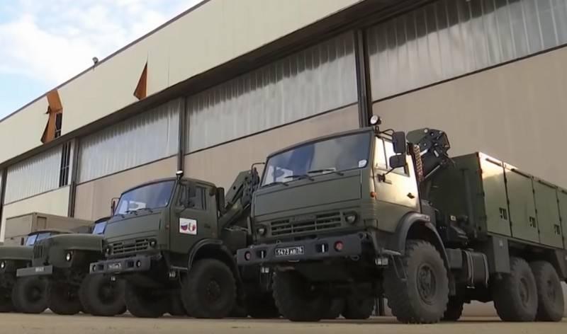 İtalya'daki Rusya Federasyonu Savunma Bakanlığı Görev Gücü Sütunu Bergamo'da yürüyüşe başladı