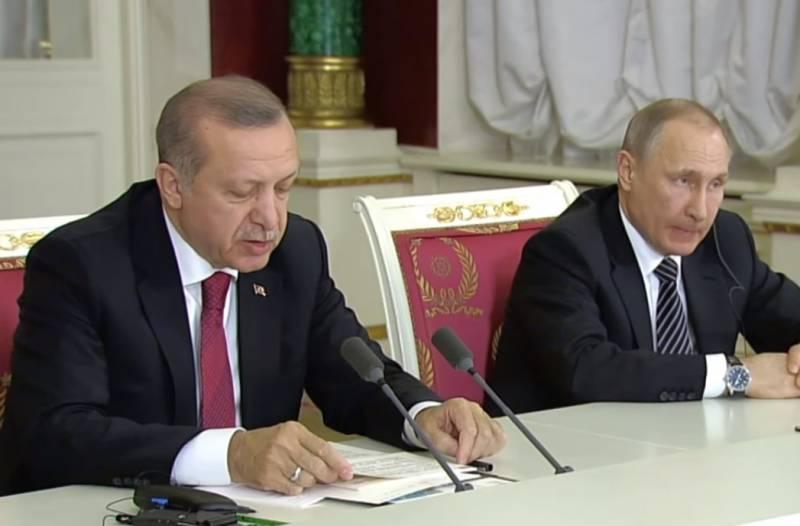 СМИ: Эрдоган предложил Путину поделить нефть Сирии