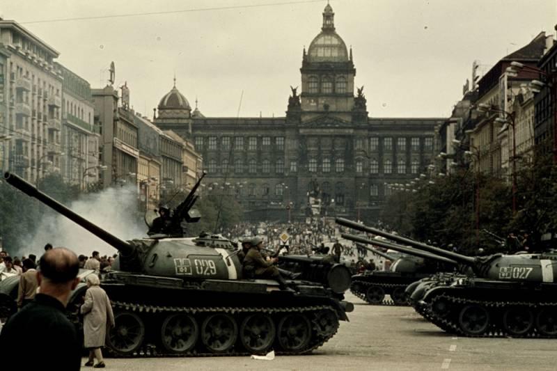 Чехословакия-68. Провал политиков: чужая работа для танковой армии