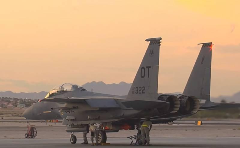 На учениях ВВС США замечены F-15E с тактическими ядерными авиабомбами B61-12
