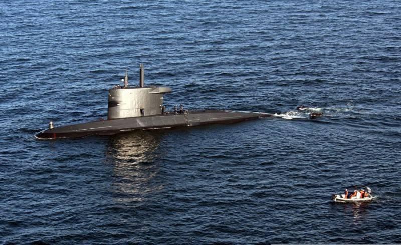 Hollanda Donanması denizaltısı, gemide koronavirüs salgını nedeniyle görevine ara verdi
