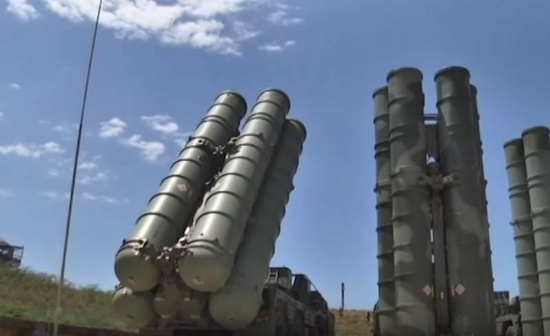 Iniciados os exercícios bilaterais de aviação e defesa aérea na Crimeia
