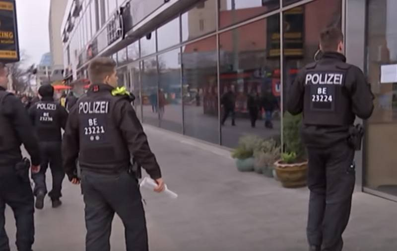 US left Berlin police without personal protective equipment