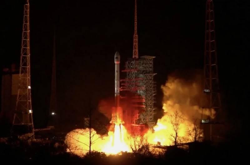 O impulsionador chinês de Changzheng-3B caiu após o lançamento