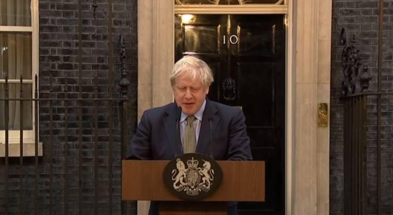 在英国宣布约翰逊总理从诊所解雇