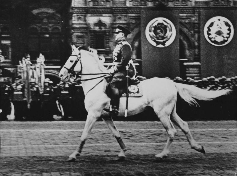 Por que eles odeiam o marechal Zhukov