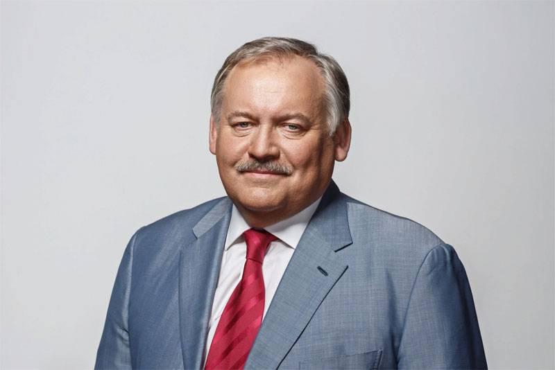 """Konstantin Zatulin à l'antenne """"60 minutes"""" sur le coronavirus: Ne faites pas peur aux gens!"""