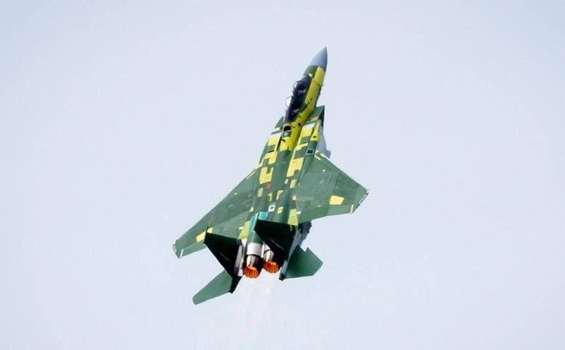 Primeiro caça F-15QA do Qatar decola pela primeira vez nos Estados Unidos